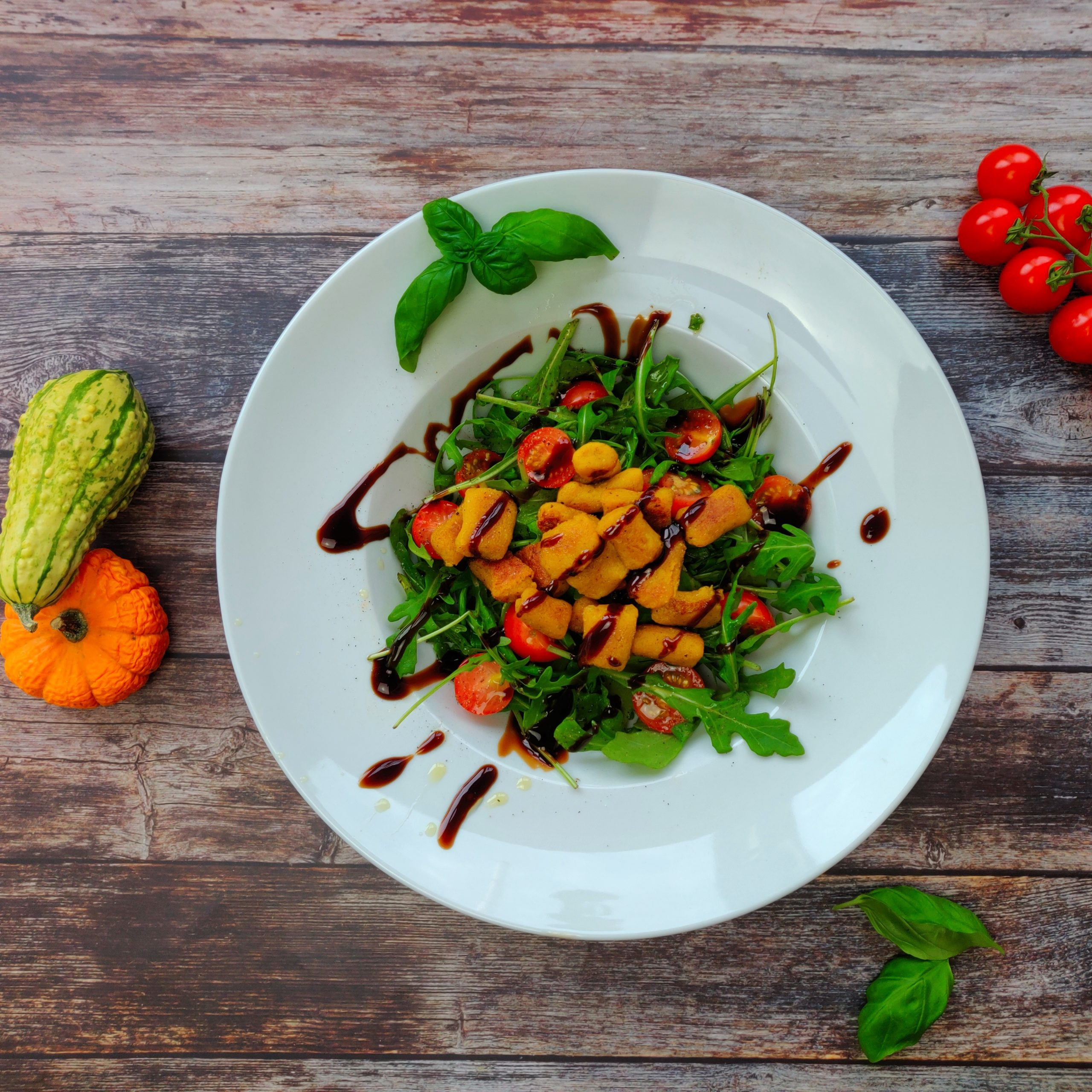 You are currently viewing Kürbisgnocchi auf Rucola Salat