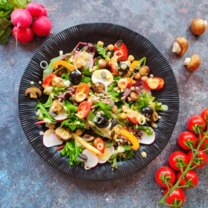 Read more about the article Sommersalat mit Senfvinaigrette