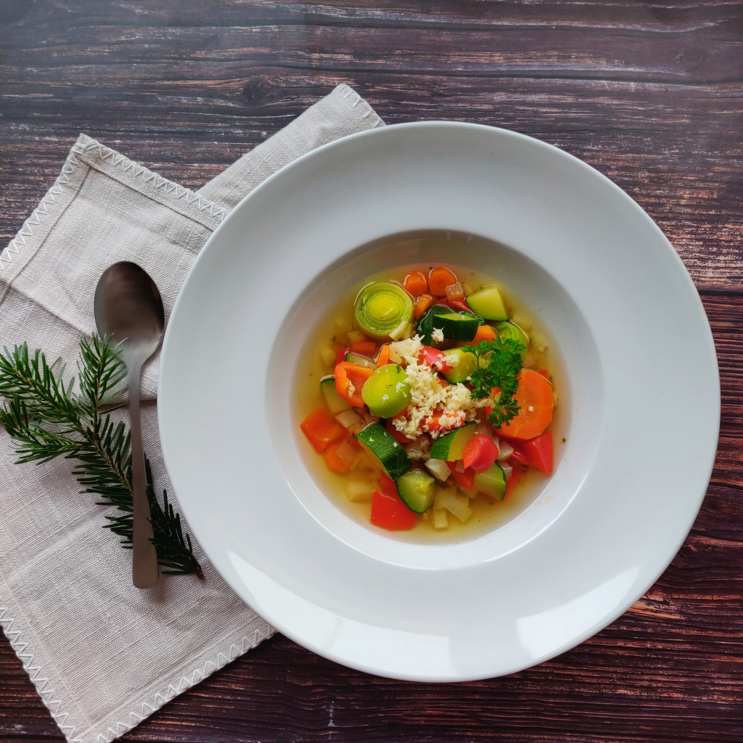 You are currently viewing Gemüsesuppe mit Meerrettich