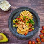 High Protein Pancakes mit Avocado Salsa